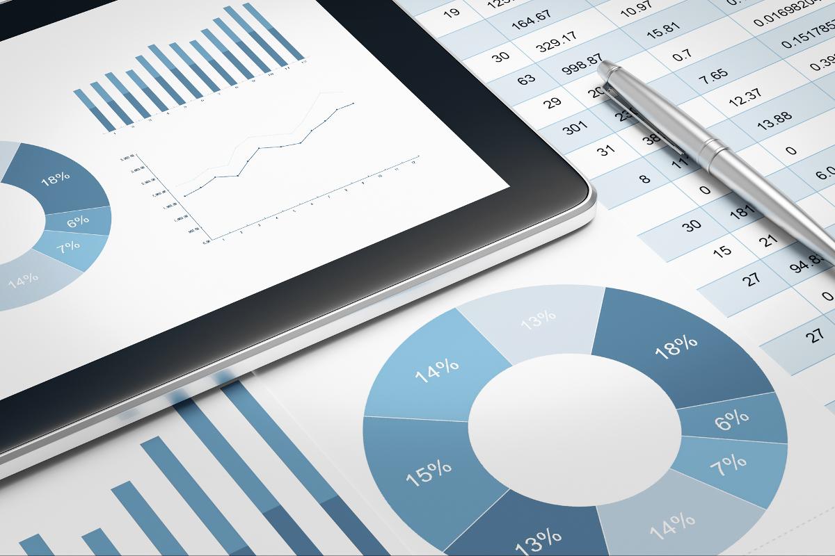 Finansinės ataskaitos, rodikliai ir prospektai